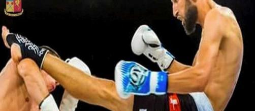 """Abderrahim Moutaharrik, 28 anni, marocchino con cittadinanza italiana, kickboxer e aspirante """"martire"""""""