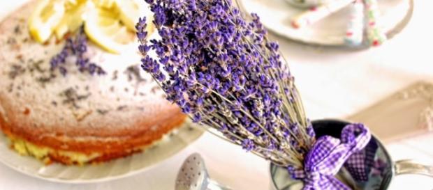 In cucina con i fiori: ricette estive sfiziose e... profumate.