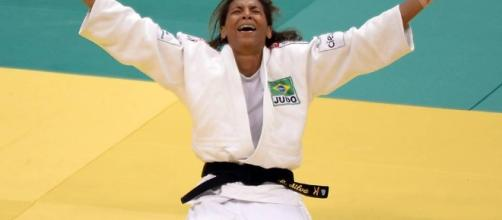 Judoca supera briga nas ruas e racismo para buscar medalha perto ... - com.br