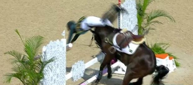 Brasileiro cai do cavalo e perde prova (Divulgação/Internet)