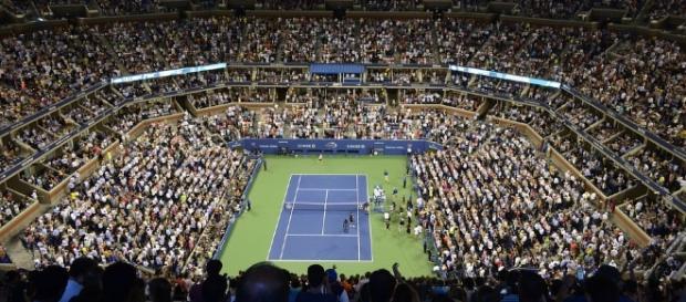 Briga entre torcedores interrompe partida de tênis