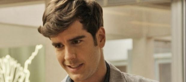 Felipe tenta disfarçar atração por Shirlei (Divulgação/Globo)