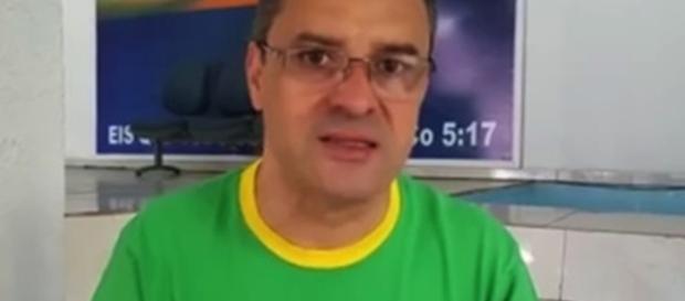 O bispo faz denúncias contra a IURD (Foto: Youtube/Reprodução)