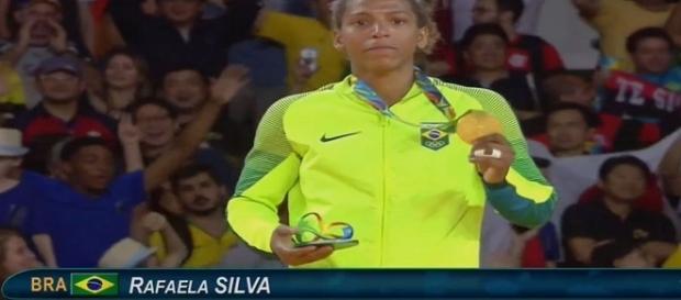 Rafaela Silva, do judô, garantiu primeira medalha de ouro na Rio 2016 (Foto: Twitter)