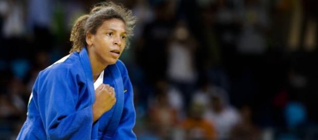 Rafaela Silva ganha primeira medalha de ouro para o Brasil