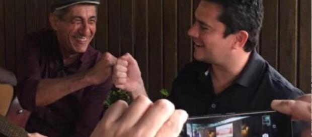 Sérgio Moro surpreende e canta contra corrupção