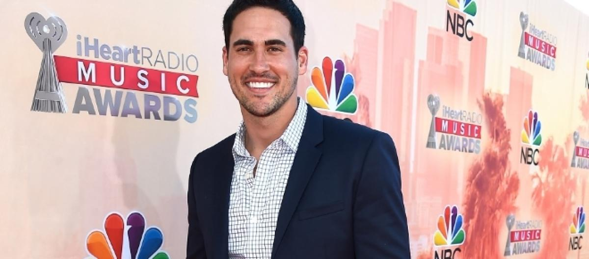 Josh murray blames editing for horrible portrayal on bachelor in bachelor in paradise spoilers josh murray finds love with single inquisitr ccuart Image collections