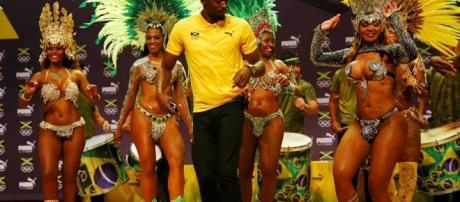 Usain Bolt, bailó al ritmo del samba brasileño en Río de Janeiro