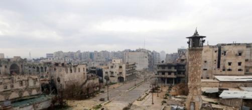 Aleppo. Città fantasma. L'ultima emergenza è il mancato rifornimento con acqua potabile.