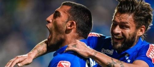 Cruzeiro empata com Corinthians fora de casa