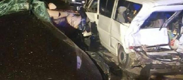 Accident CUMPLIT pe DN6. Trei TINERI cu vârste între 15 şi 27 de ani AU MURIT