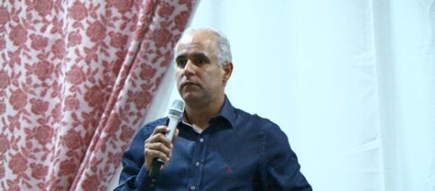 Pastor Cláudio Duarte ministra palestra sobre a família