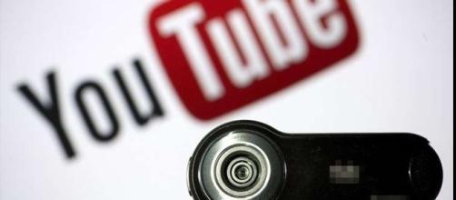 A profissão Youtuber agora é algo tão real quanto ser advogado.