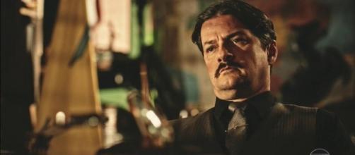 Carlos Eduardo, o deputado mostra uma outra face, na novela Velho Chico