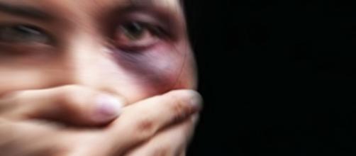 Mulher paga caro por denunciar crimes de estupro