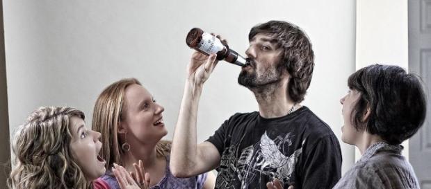 Chicas solteras, no son imaginaciones vuestras: en realidad no hay ... - vice.com