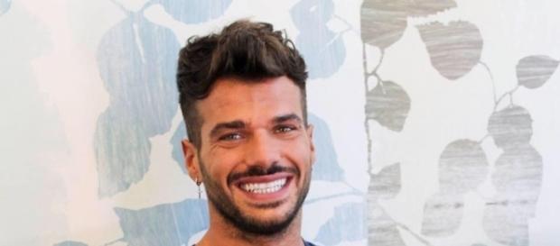 Claudio Sona, è il primo tronista gay