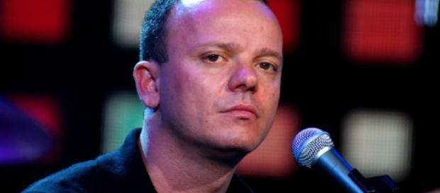 Gigi D'Alessio sul lastrico, parla il cantante