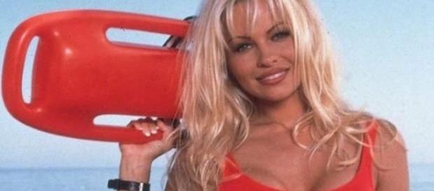 Pamela Anderson als Baywatch Nixe