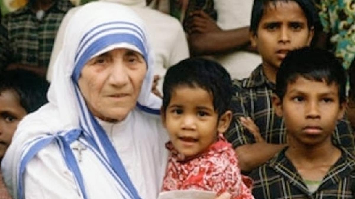 Madre Teresa di Calcutta è ora Santa, ma nessuno sapeva che forse era un  Diavolo