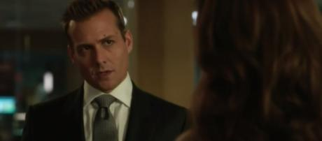 Harvey tries his best to get Mike's deal back into play / Youtube - Suits 6x08 Promo Season 6 Episode 8 Promo - Trending promos