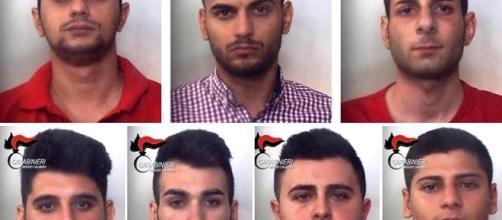 L'immagina che circola sul web, mostra i volti dei sette arrestati