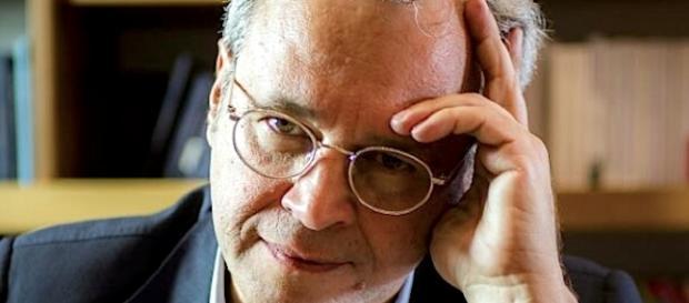 Enrico Mentana, dal 2010 è il direttore del TG di La7.