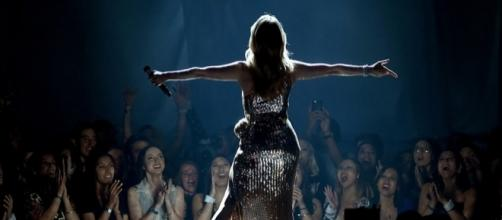 Celine Dion Performed A Stirring Cover Of Queen's The Show Must Go ... - nme.com