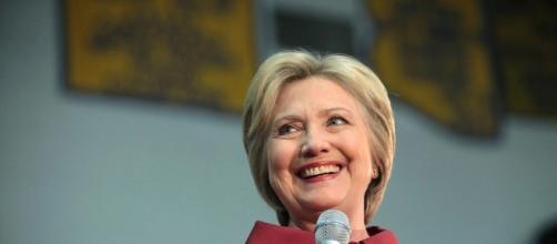 Hillary Clinton durante un comizio della campagna elettorale
