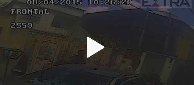 Agentes roubam traficantes - Vídeo/PM