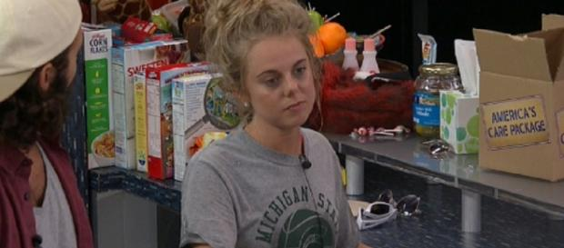 Nicole Franzel [Image via CBS Live Feeds Screen Cap]