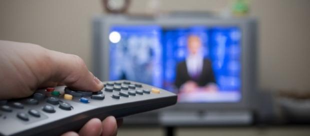 Stasera in tv, palinsesto Rai e Mediaset di lunedì 12 settembre 2016