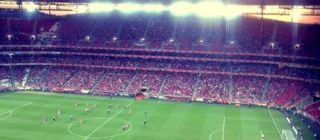 Benfica jogou em casa, no Estádio da Luz.
