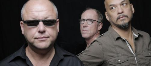 Frank Black, Joey Santiago y David Lovering