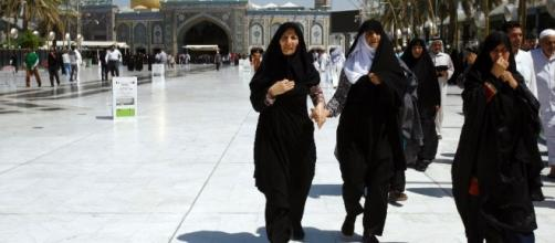 Iranians flock to Iraq's Karbala for holy plan B - yahoo.com