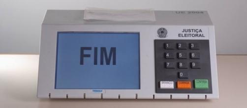 Quadrilha garante que consegue fraudar as urnas eletrônicas