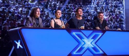 replica X Factor 2016 prima puntata