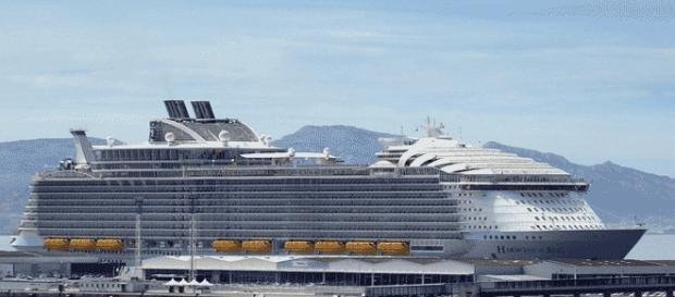 L'Harmony of the Seas en rade abritée de Marseille : un canot de sauvetage s'est détaché (un mort)