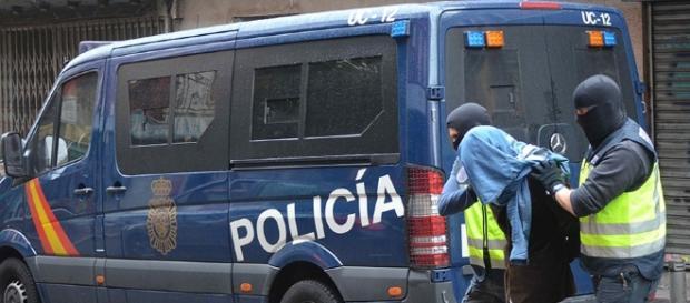 La Policía Nacional detiene a un hombre por tentativa de homicidio ... - diariodeactualidad.com