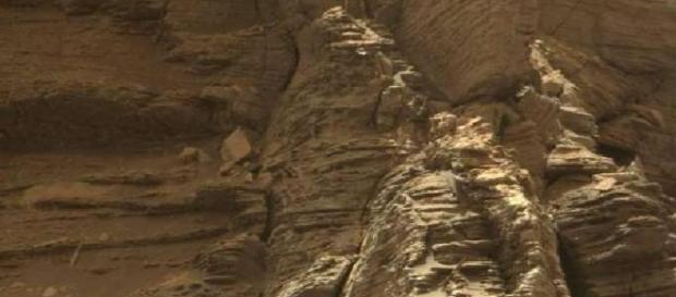 News Report Center : NASA's Mars Curiosity Rover Takes Photos Of ... - newsreportcenter.com
