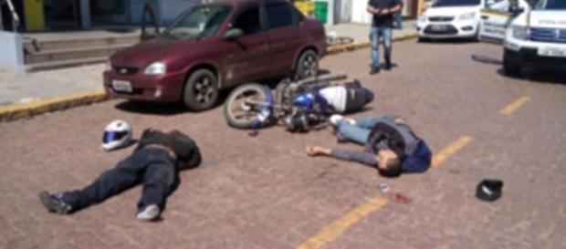 Um dos ladrões acabou morto pelo PM e o outro ficou ferido