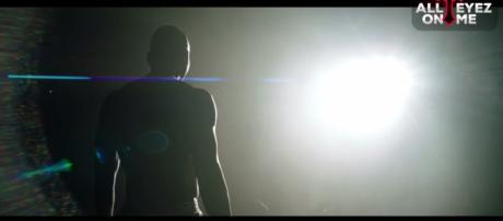 All eyez on this trailer please/ Youtube - All Eyez On Me The Movie - Official Teaser #2 - alleyezonmethemovie