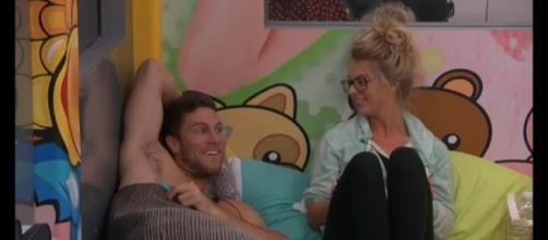 Big Brother 18' Spoilers: Nicole Is On to Frank! | Get Real LOL News - getreallol.com