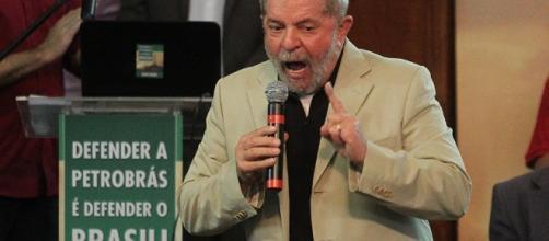 Lula se compara a JK e fica indignado com denúncia