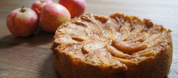Apple Cake ...- thewyldekitchen.com