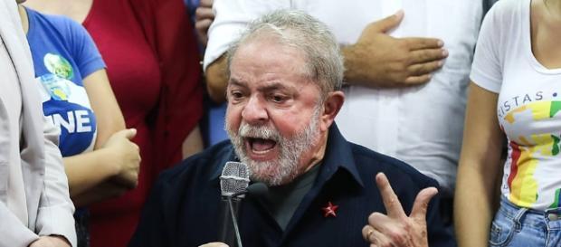 Ex-presidente Lula foi denunciado pela Lava Jato, nesta quarta-feira (14).