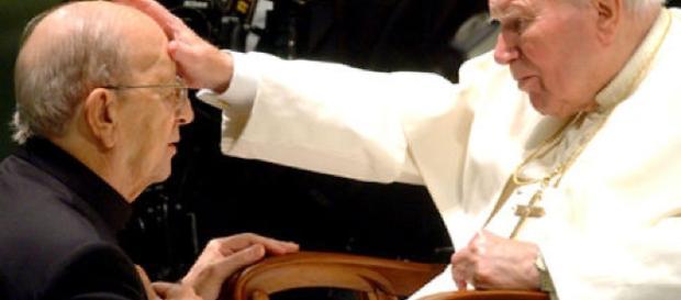 Jan Paweł II rozgrzesza katolickiego sodomitę, pedofila i aferzystę - Marcialla Degollado