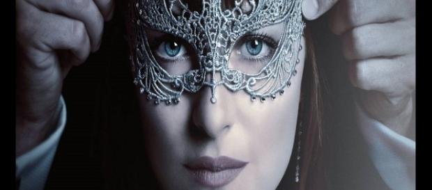 Video trailer ufficiale italiano di 'Cinquanta sfumature di nero'.