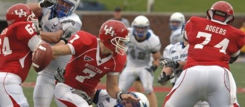 Case Keenum (#7) during his college days with the Houston Cougars. Photo c/o Wikimedia Commons.
