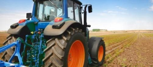 Fino a 60.000 euro a fondo perduto per l'acquisto o noleggio di macchine e trattori.